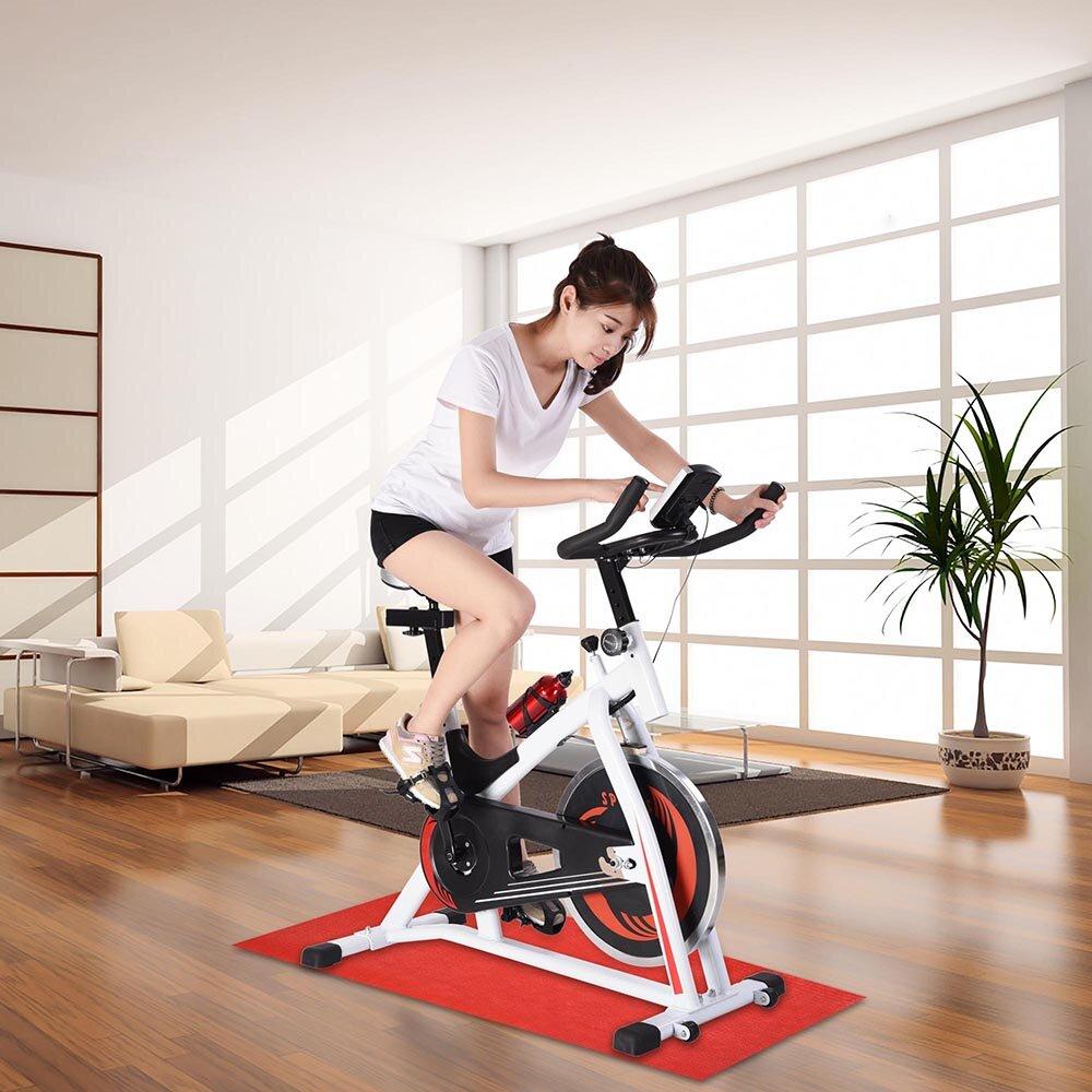 Điều chỉnh xe đạp tập trước khi luyện tập