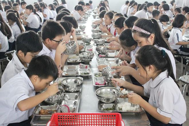 Chế độ ăn uống cho sự phát triển toàn diện của học sinh tiểu học