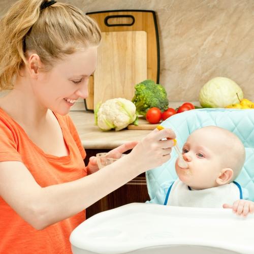 Chế độ dinh dưỡng cho trẻ sơ sinh phát triển toàn diện