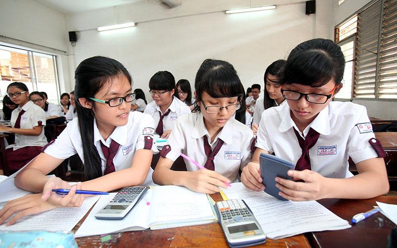 Cận thị ở thanh thiếu niên